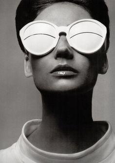 Simone D'Aillencourt by Richard Avedon for Harper's Bazaar, April 1965