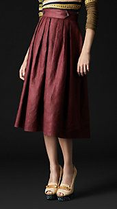 Pleat front heritage skirt by Burberry. Love the color/vintage style.