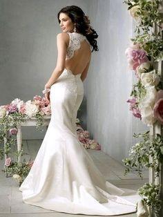 15 Beautiful Backless Wedding Dresses  GownsConfetti Daydreams – Wedding Blog
