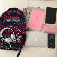 Images and videos of back to school diy Backpack Essentials, School Essentials, Diy Backpack, Too Cool For School, Back To School, High School, Schul Survival Kits, School Suplies, Cool School Supplies