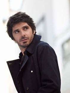 Patrick Fiori, voice of an angel, eyes of a cow Britney Spears, Cow Eyes, Beautiful Men, Beautiful People, Ugly Men, Jolie Photo, Celebs, Celebrities, France