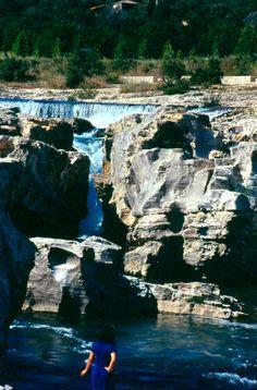 Les cascades du Sautadet, un lieu magique mais très dangereux. La baignade y est strictement interdite Les Cascades, Beaux Villages, Waterfalls, France, Outdoor, Outdoor Gardens, Bathing, Magic, Tourism