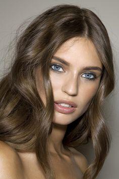 nude lips and shiny light brunette