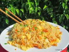 Fideos de arroz chinos salteados                                                                                                                                                                                 Más