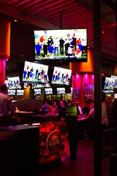 Station des Sports #Montreal #Resto #Bar #Sports Cool Bars, Nightlife, Party, Parties