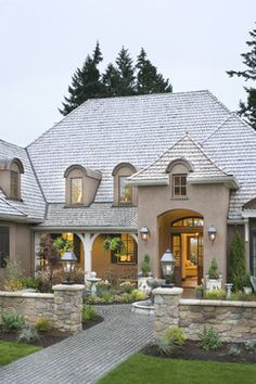 Traditional Exterior Photos Stone Cottage Design, Pictures, Remodel, Decor and Ideas - page 9