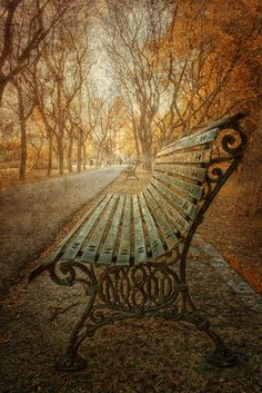 ~~Esperando el momento | Waiting for the Moment an urban landscape by Zú Sánchez~~