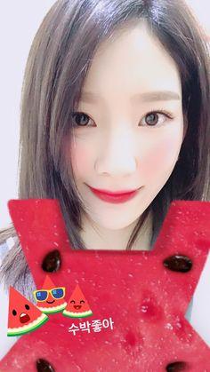Taengstagram Update: taeyeon_ss: 수박좋아 [TRANS] I like watermelon ,credit sonexstella Sooyoung, Yoona, Snsd, Generation Photo, Girls Generation, Kpop Girl Groups, Kpop Girls, Yuri, Tiffany