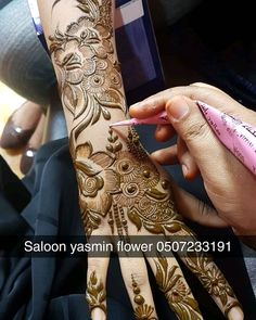 Ideas Baby Food Design For 2019 Khafif Mehndi Design, Simple Arabic Mehndi Designs, Indian Mehndi Designs, Mehndi Designs 2018, Stylish Mehndi Designs, Mehndi Designs For Fingers, Bridal Henna Designs, Mehndi Design Pictures, Beautiful Henna Designs