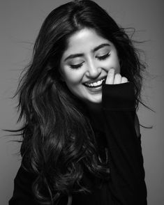 Here another one… Sajal Ali … - Jewelry Model Poses Photography, Portrait Photography Poses, Stylish Photo Pose, Stylish Girls Photos, Best Photo Poses, Girl Photo Poses, Teenage Girl Photography, Cute Girl Poses, Instagram Pose