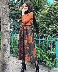 2019 Stylish Hijab Combines Black Long Patterned Skirt Cinnamon Sweater Black Leather Heels Boots Stylish Hijab Combines Black Long Patterned Skirt Cinnamon Sweater Black Leather Heeled Boots # Tesettür I the Stylish Hijab, Modest Fashion Hijab, Skirt Fashion, Modest Outfits, Fashion Outfits, Long Blouse Outfit, Hijab Outfit, High Street Fashion, Hijab Mode Inspiration