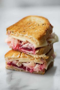 You've gotta try this creative sandwich. Homemade thousand island dressing, swiss cheese, pickled beets, sauerkraut on rye bread. Ready in just 10 minutes! Reuben Sandwich, Sandwich Recipes, Vegan Sandwiches, Panini Sandwiches, Sandwich Ideas, Raw Food Recipes, Soup Recipes, Vegetarian Recipes, Cooking Recipes