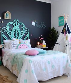 20 Fantastic Girls Bedroom Ideas (Inspiring Makeover Tips No need to be super pragmatic by directly putting traditional pink nuance to get a girly atmosphere. No worries! This is your opportunity to turn the ordinary bedroom into a Very special retreat. Teenage Girl Bedroom Designs, Teenage Girl Bedrooms, Little Girl Rooms, Girls Bedroom, Bedroom Decor, Bedroom Black, Trendy Bedroom, Kids Bedroom Ideas For Girls Tween, Modern Bedroom