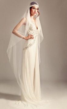 Romily #bridal Dress worn with Gatsby Crystal Veil #Temperley lookbook