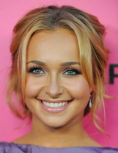 Hayden Panettiere love her makeup and her hair!