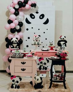 50 Ideias para Festa Panda Panda Birthday Cake, Baby 1st Birthday, Birthday Parties, Panda Themed Party, Panda Party, Panda Baby Showers, Panda Cakes, Baby Party, Childrens Party