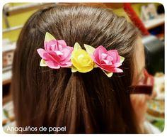 Anaquiños de papel: Prendedor del pelo en fucsia y amarillo