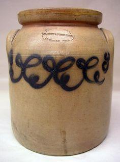 Antique 1 Gallon Smith & Day Stoneware Blue Decorated Crock Jar Norwalk Conn.