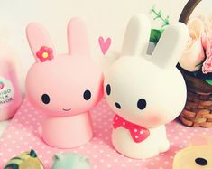 Find images and videos about girl, fashion and cute on We Heart It - the app to get lost in what you love. Kawaii Bunny, Kawaii Chibi, Kawaii Cute, Kawaii Anime, Wallpaper Kawaii, Biscuit, Hello Kitty, Kawaii Shop, All Things Cute