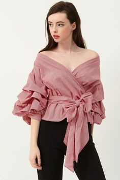 Top 22 Types of Sleeves that are Always in Vogue for Women Clothes Mode Top, Latest Fashion Trends, Fashion Tips, Fashion Ideas, Looks Style, Mode Style, Ladies Dress Design, Types Of Sleeves, African Fashion