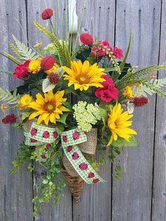 REDUCED 10 OFF-Sunflower ladybug door hanger, Sunflower wreath, Ladybug wreath, Summer wreath, Sprin Wreath Crafts, Diy Wreath, Wreath Ideas, Fun Crafts, Garden Hose Wreath, Fall Wreaths, Door Wreaths, Sunflower Wreaths, Basket Decoration