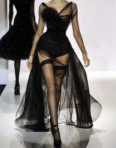 @meredithnashh #runway blackdress #sheerdress Dress Fashion, Couture Fashion, 90s Fashion, High Fashion, Fashion Shoes, Runway Fashion, Vintage Fashion, Fashion Beauty, Fashion Outfits