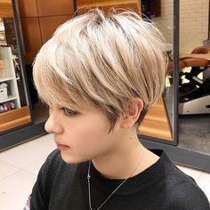 Blonde Pixie Haircut, Pixie Haircut For Thick Hair, Long Pixie Hairstyles, Bob Haircut With Bangs, Thin Hair Haircuts, Short Pixie Haircuts, Short Bob Thin Hair, Thick Hair Pixie Cut, Short Bob With Undercut