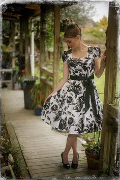 Vintage Roses Dress Rose Dress, Vintage Roses, Summer Dresses, Shopping, Collection, Fashion, Pink Sundress, Moda, Summer Sundresses