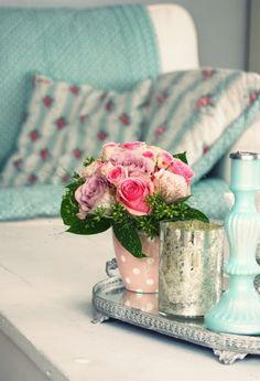 aqua loves pink