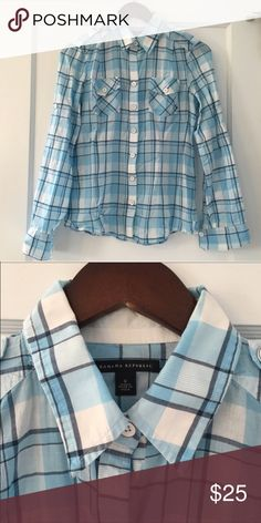 Banana Republic Blue Plaid Military Top Banana Republic Blue Plaid Military Button Up. Blue, navy, and white. Lightweight and great for summer months! 100% cotton. Great condition! Banana Republic Tops Button Down Shirts