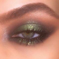 Makeup Eye Looks, Eye Makeup Art, Makeup For Brown Eyes, Skin Makeup, Makeup Inspo, Eyeshadow Makeup, Makeup Inspiration, Eyeshadow Palette, Clown Makeup