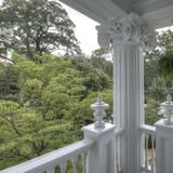 The Ionic column was invented around 500 BCE and is characterized by its curly scrolls.   HGTV FrontDoor