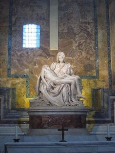 La Pietà di Michelangelo, San Pietro, Rome ~ This incredible statute needs to be seen in person to really see what Michaelangelo carved out of marble! Michelangelo, Visit Rome, Places To Travel, Places To Go, Travel Destinations, La Pieta, Voyage Rome, Saint Chapelle, Art Du Monde