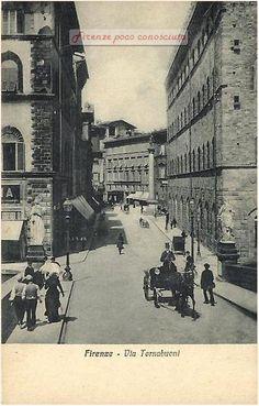 Via Tornabuoni dal Ponte Santa Trinita, una bella immagine pulita di una zona delle più eleganti di #Firenze