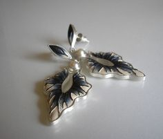 Malowane z perłą Enamel Jewelry, Metal Clay, Fine Art Gallery, Cultured Pearls, Natural Leather, Designer Earrings, Fashion Earrings, Silver Earrings, Texture Painting