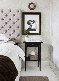 Dachshund love. Bedroom by Kristina Lifors Interior Design. Photo: Anne Nyblaeus/Sköna hem