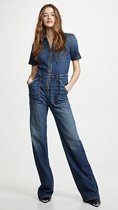 Capsule wardrobes are big news right now: find out how to build a capsule wardrobe of basics in order to define your style & always have something to wear. Ankle Boots With Jeans, How To Wear Ankle Boots, Jumpsuit Outfit, Jeans Jumpsuit, Denim Overalls, Dungarees, Smart Casual, Forever21, Capsule Wardrobe
