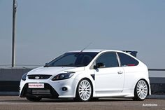 MR Car Design Ford Focus RS Takes the Hottest of Hatches to 355-hp. Fitted with a K & N air filter.