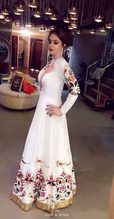 Indian Attire, Indian Wear, Pakistani Outfits, Indian Outfits, India Fashion, Asian Fashion, Sari, Gowns Of Elegance, Traditional Fashion
