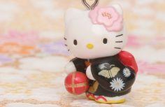 Hello Kitty   photo by Naoko Miike