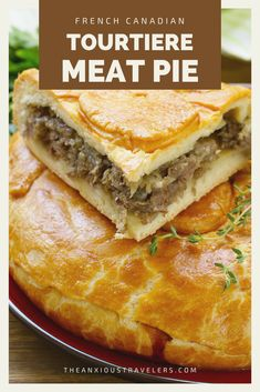 Want something wholesome and warm to eat on a cool fall evening? This French Canadian recipe is perfect for dinner or Christmas. Enjoy this Quebec meat pie. You can make tourtiere with ground turkey too! Canadian Dishes, Canadian Food, Canadian Recipes, Tourtiere Recipe Quebec, Tortiere Recipe, French Meat Pie, Bean Pie, Turkey Pie, Pie Recipes