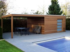Iroko Box - also available with side canopy