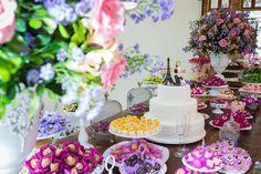 Casamento ao ar livre: mesa de doces - Foto Luiza Reis