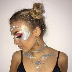 Coachella Make-up, Festival Coachella, Coachella Looks, Festival Makeup Glitter, Glitter Makeup, Festival Looks, Festival Style, Festival Fashion, Design Festival