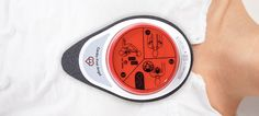 A Battery-Free, Pocket-Sized CPR Coach Ensures You're Really Helping