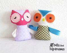Ribbon tag owl softie, really cute idea.