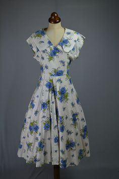 Original True Vintage 1950s Blue White Floral Cotton Full Summer Dress 16