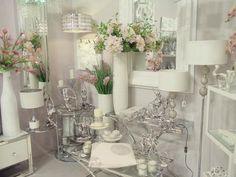 elementos decorativos en cerámica blanco y plata en www.virginia-esber.es