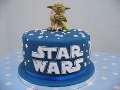 Star Wars Yoda cake - LOVE!  I turn 31 in May.  Who's feeling creative?  :D
