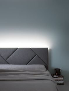 Quarto Bedroom Bedrooms Modern Headboard Headboards For Beds Bed Headboard Design, Grey Headboard, Modern Headboard, Bedroom Bed Design, Bedroom Red, Modern Bedroom Design, Headboards For Beds, Trendy Bedroom, Home Bedroom